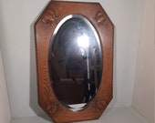 Antique Oval mirror in eight-angular table '20