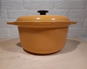 Cast iron pan Le Creuset style ochre yellow vintage
