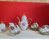 Vintage Moccaset crockery 15-piece Limoges design.