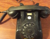 Vintage bakelites PTT phone from the fifties