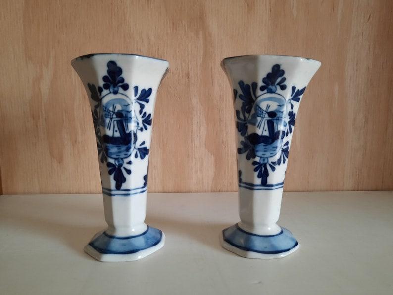 Antique set Delft blue vases cabinet couple 30s image 0