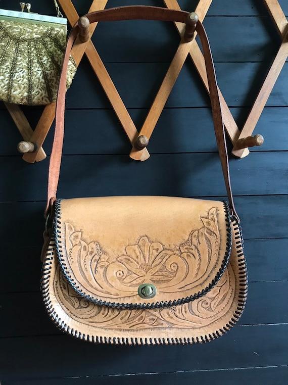 Vintage leather tooled handbag / mexican tooled le