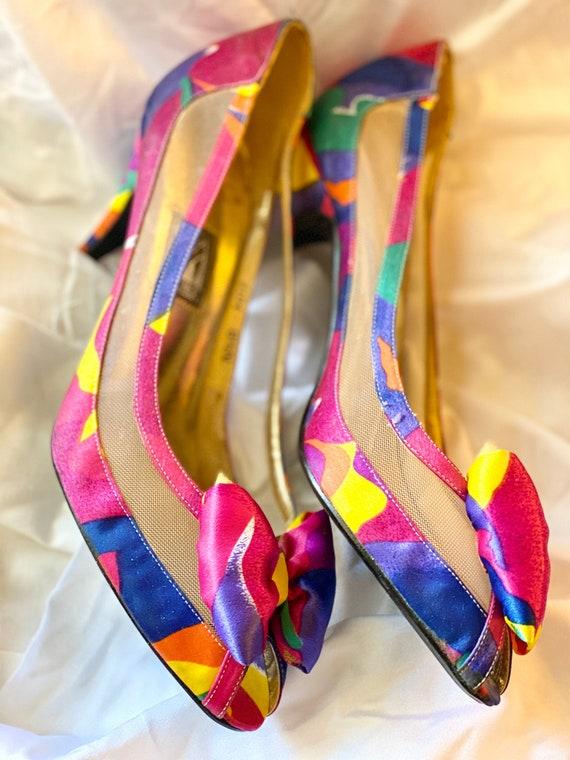 Vintage 1980s - Vibrant Print Florals - Ribbon & B