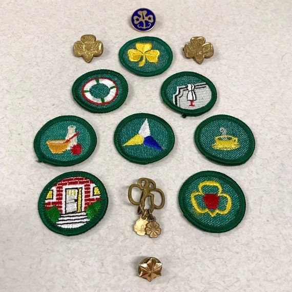 Girl Scout Badge Patch Pin, Brownie Membership Pin Petals, WAGGGS World  Pin, Girl Scouts Troop Crest, Membership Star