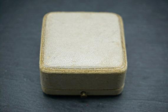 Antique Velvet Brooch Box / Royal Court Goldsmith… - image 3