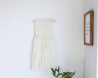 Chunky Knit Wall Hanging / Ivory