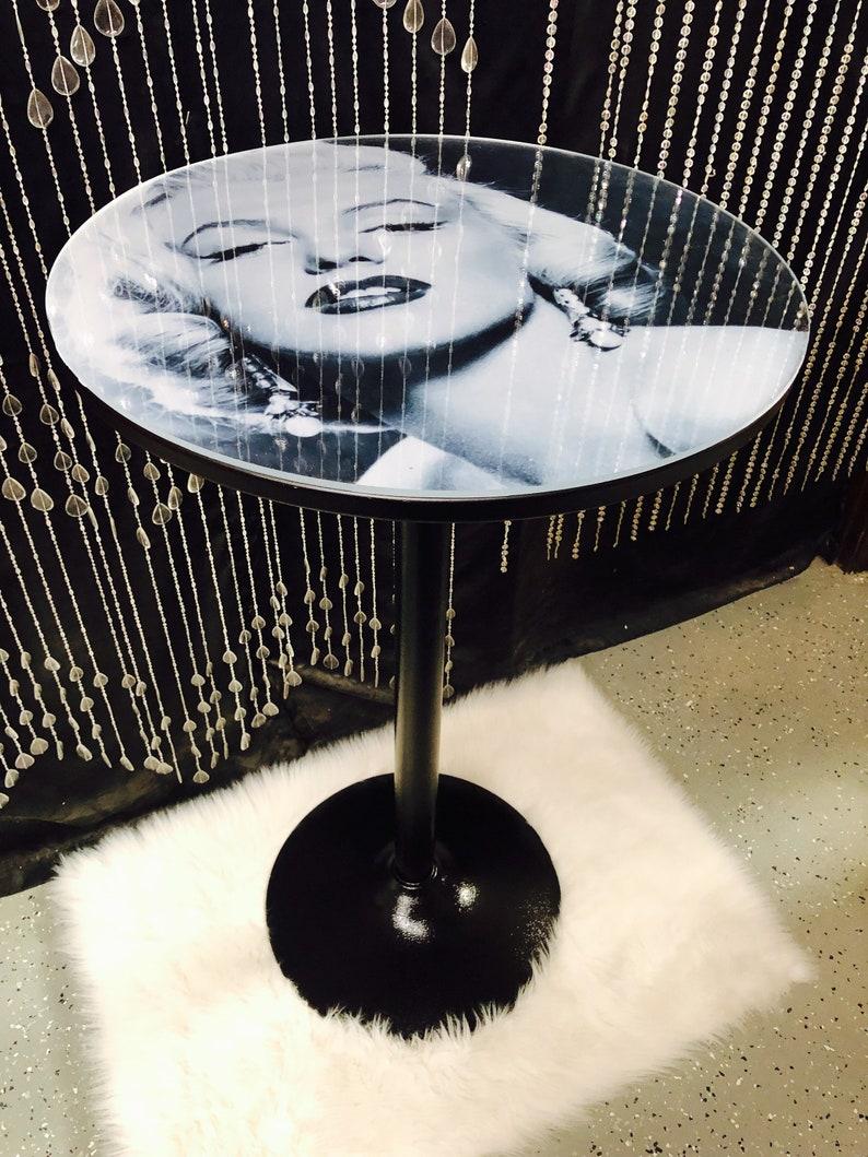 Pub tables - Marilyn Monroe - Marilyn Monroe decor - Marilyn Monroe art -  Marilyn Monroe gifts - elvis presley - kitchen pub tables - audrey