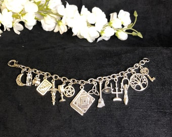 Witches Alter On The Go Charm Bracelet Pagan Pentacle Tarot Witchy Charms Gift
