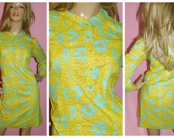 8ab4de946f37 Vintage 60s KITSCH FLOWER POWER Psychedelic Mod Scooter Dress 10-12 S M  1960s Modette Daisy Print Yellow Blue Mr Kolbert