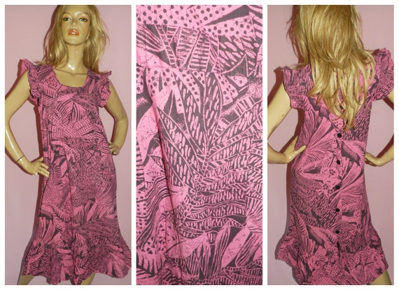 c31ae60002f Vintage 80s Pink Black TROPICAL Print Ruffled day dress 12 M 1980s Button  Back Kitsch Nu