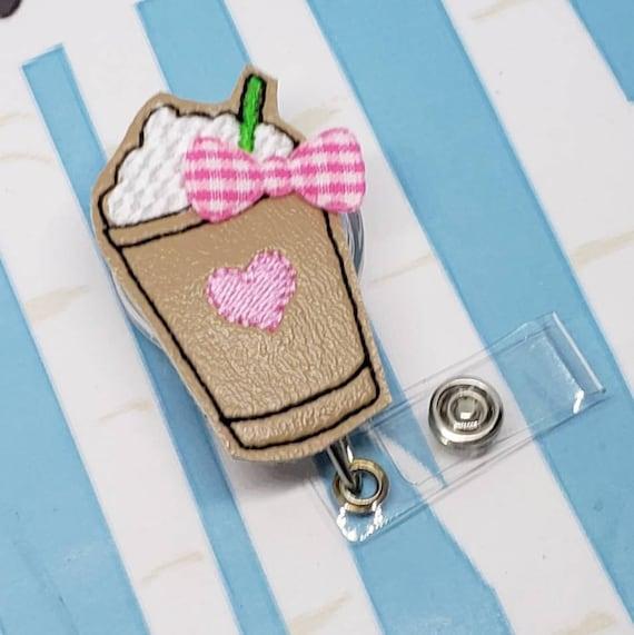 Bobine insigne café / Pink Latte ID Badge Holder / Frappe feutrine bobine insigne / café ID titulaire ou ID rétractable insigne porte / Badge Clip bobine