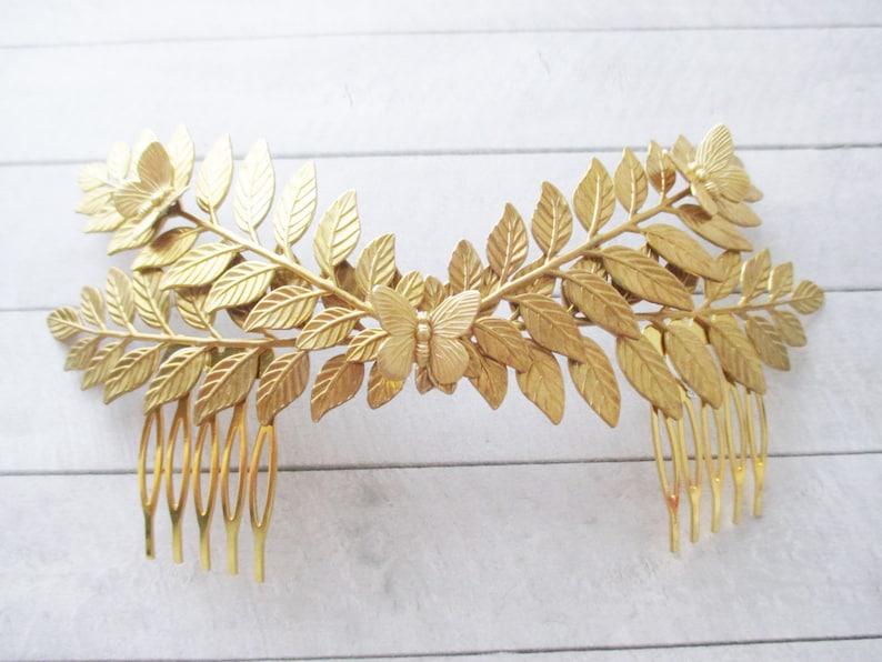 Tiara de hojas dobles y mariposas en latón dorado Tocado de  d6eebd777de1