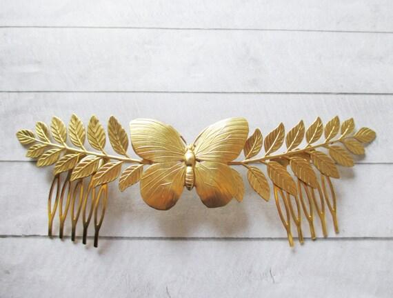 Tiara de hojas y mariposa grande en latón dorado Tocado de  4c6d8191d1d6