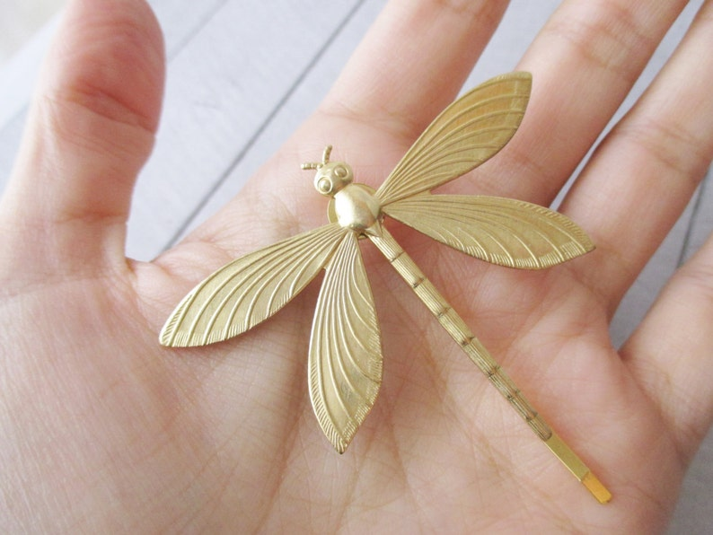 Dragonfly hair clip Gold Hair Pin Gold insect Bobby Pin Brass Nature Wedding Bobby pin Bridesmaids Bridal Gifts for her Hair accessories