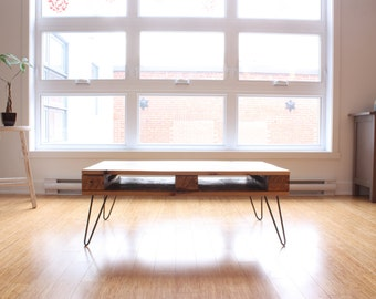 PALLET Coffee Table ⎮ Living room Furniture Table Reclaimed wood  Pallet Style Minimalist Industrial Hairpin Legs. Made in Montreal