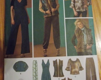 Sewing pattern Simplicity 2476 Misses' jumpsuit, pants, top, reversible vest, shrug and scarf uncut size 12 to 20