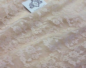 Lace  nackt Chantilly CHANTILLY LACE
