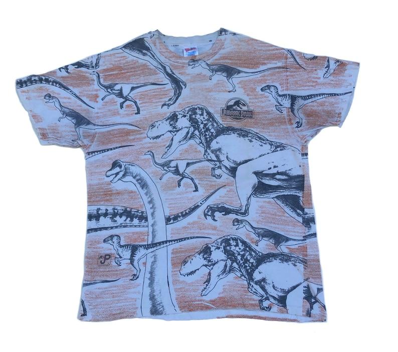 Vintage 90s Jurassic Park Over Print T shirt Dinosaur Sciene Fiction Adventure Film Movie Size XLarge
