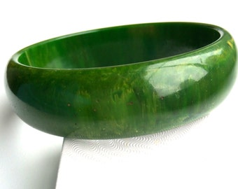 Vintage Bakelite Avocado Green & Yellow Marbled Bangle Bracelet Tested Authentic