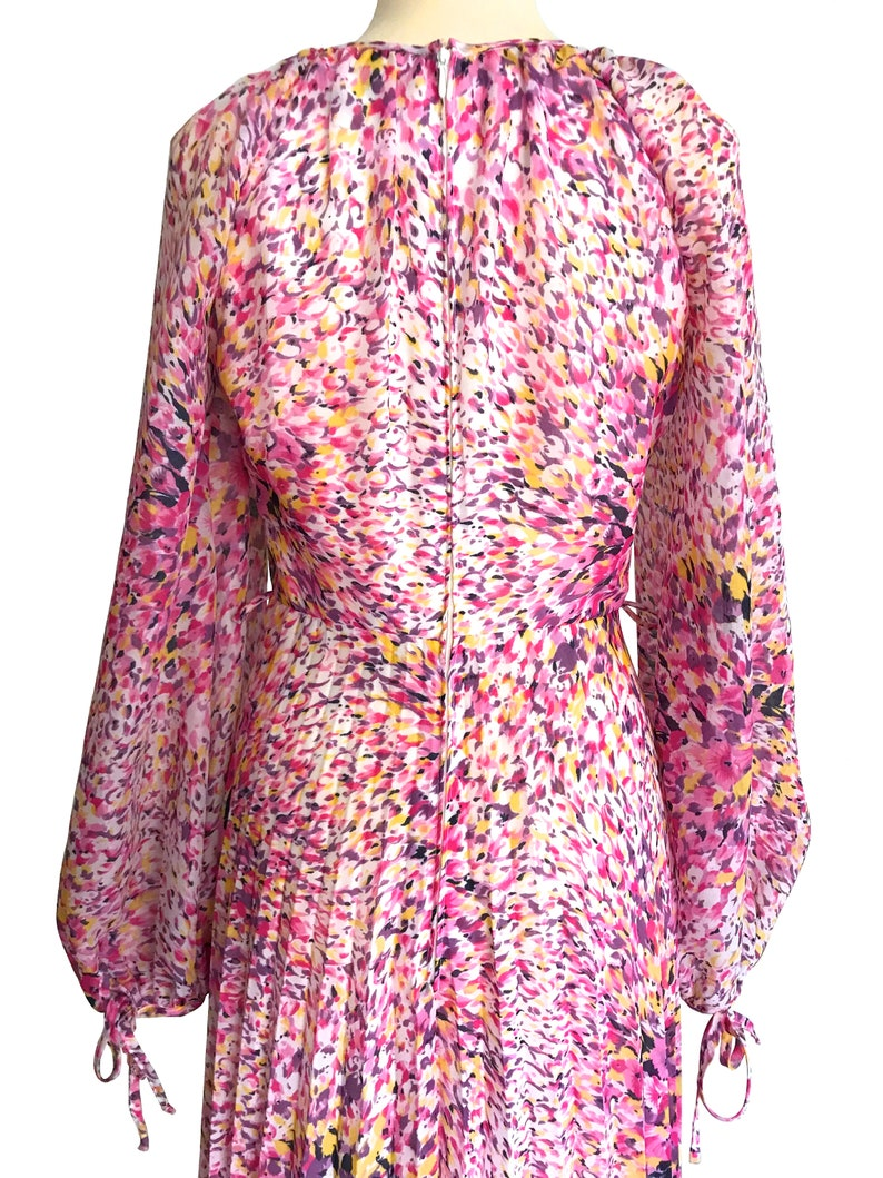 Party Occasion Dress Prom Wedding Races Summer Maxi Dress 70s Vera Mont Paris Pink Purple Yellow Abstract Print Pleated Boho Maxi Dress