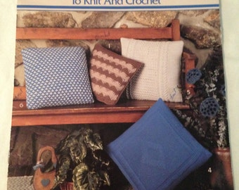 Pillows to Knit and Crochet Leaflet Leisure Arts Crocheting Pillows Craft Book