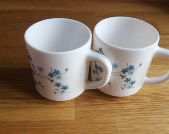 Vintage arcopal cups