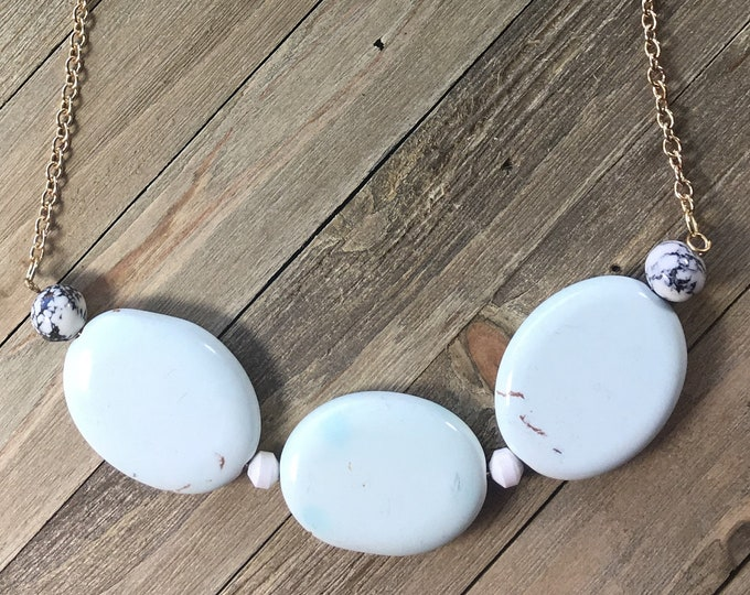 CLEARANCE! Frosted mint green oval tumbled agate stone bar necklace w mossy jasper & vanilla magnesite white faceted beads on gold chain