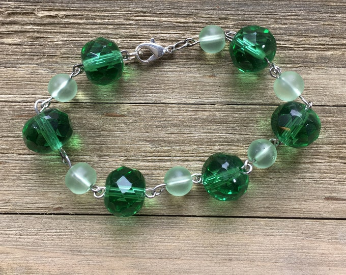 "CLEARANCE! Mint green sea glass beaded bracelet with dark green large czech glass beads on silver eye pins, rosary link bracelet 7.5"" long"