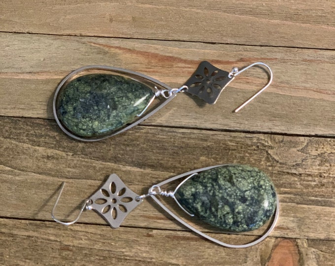 Chunky serpentine teardrop briolettes in pear shaped silver teardrop, with square flower accent hanging from 925 sterling silver earwires