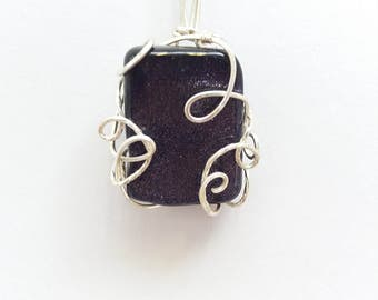 Blue goldstone wire necklace
