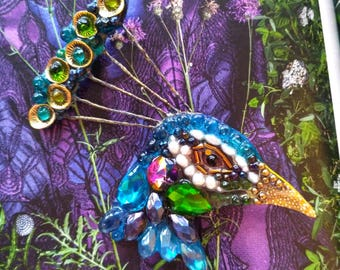 Peacock's head-handmade brooch made of stones and beads
