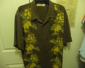 5459055d Vintage Tommy Bahama Men's Aloha Shirt XL