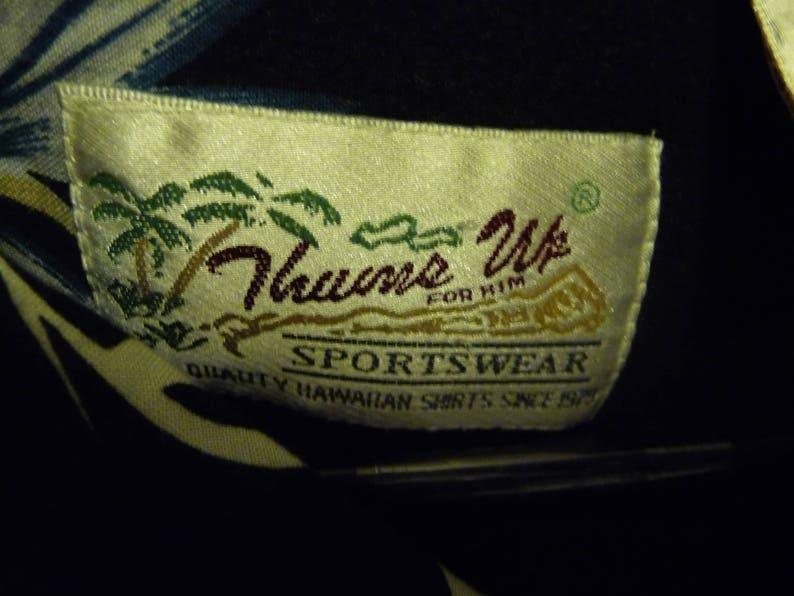 Gently Worn Thumbs Up Men/'s Hawiian Aloha shirt SS XL Floral Design Dad Wear Alert!!!