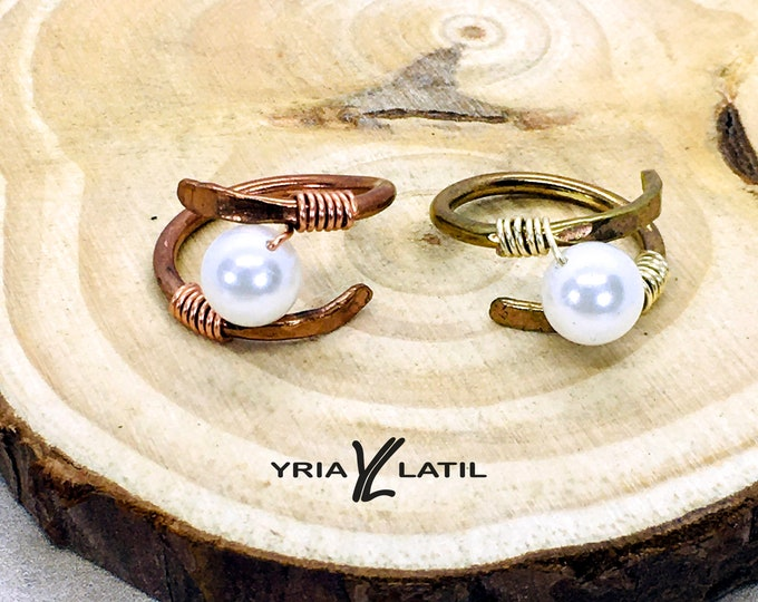 Helix pearl ring with real Pearl. Handmade with Copper or Brass wire.