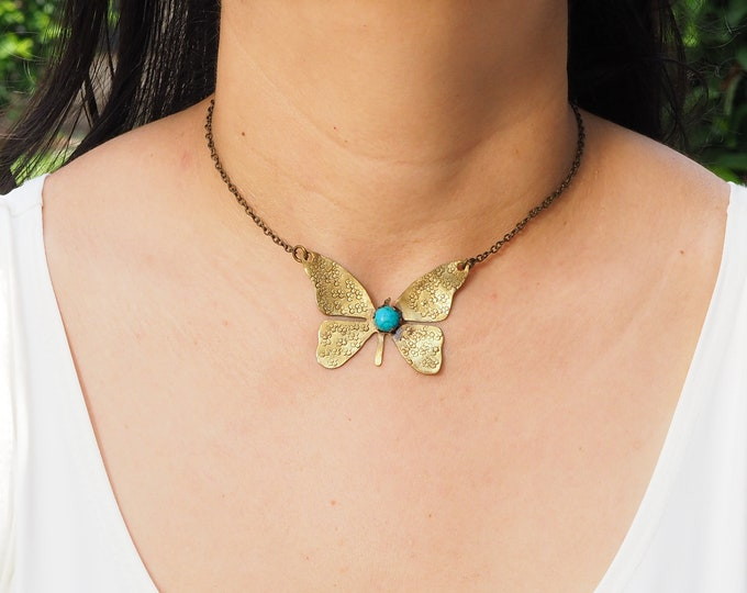 Nature Jewelry Neclace / Choker hammered brass and turquoise, Antique Nature Jewelry / brass Jewelry Butterfly pendant