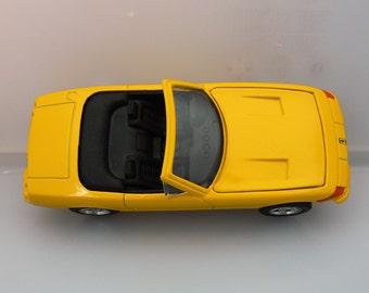 Ferrari 365 GTS4 . Shell Classico collection .
