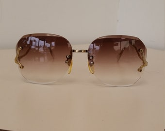 07dee2bbd59 1980s Bifocal Reading Sunglasses  Clear tinted Upper with +2.00 Bifocal   Very Good Vintage Condition  Ready to Wear  Read Description Sizing
