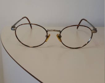2376d0f2e30ac 1990s Guess Round Eyeglasses Frame  Model GU895  Rx-able  Excellent Vintage  Condition  Tortoise Eyewire w  Gunmetal Temples and Bridge