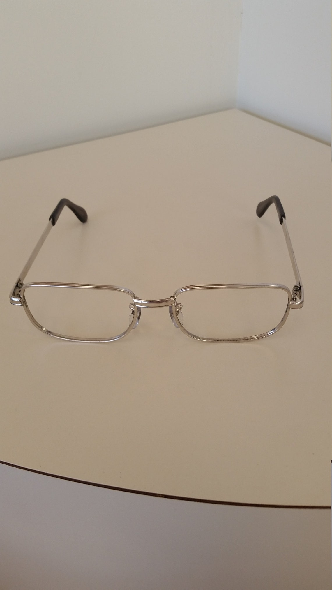 1960s Universal 10 KGF Eyeglasses Frame; Silver Metal Square; Rx-able, No Lenses; Excellent Condition