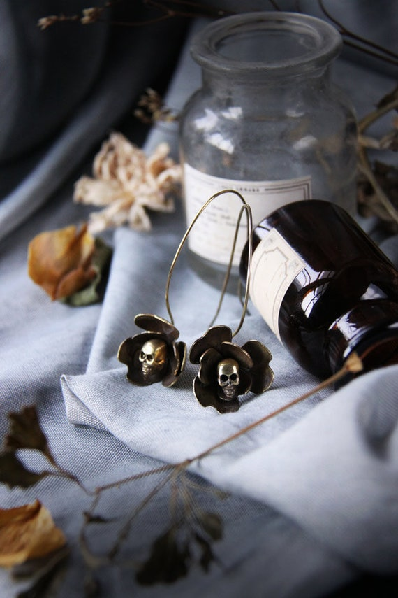 UCBN305 Skull Flowers Collection The Uncommon Defy Project-  Skull Flower Charm Necklace no.5 Original by Defy