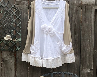 Womens upcycled tunic tee sleeveless pop over top taupe cream Cotton Vintage lace two pockets Easy fit XXL tunic tee shirt