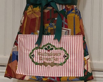 Full Apron Vintage style green reindeer treats sweetheart bodice Christmas red striped pocket embroidery green grosgrain ribbon ties