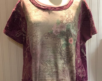 Womens wine and roses theme upcycled tee shirt tunic Pink roses Wine flower print hem upcycled tee with bling L to Size XXL two pockets