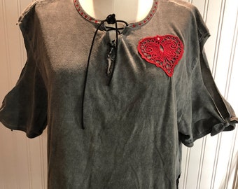 Womens V neck tee shirt gray red lace heart red rhinestone studded collar bow cut open sleeves easy fit up cycled black elastic side hem tie