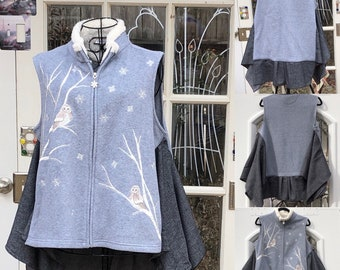 Womens gray fleece vest owl embroidery gray shirting side panels hi lo hem gray cream fleece zip L vest
