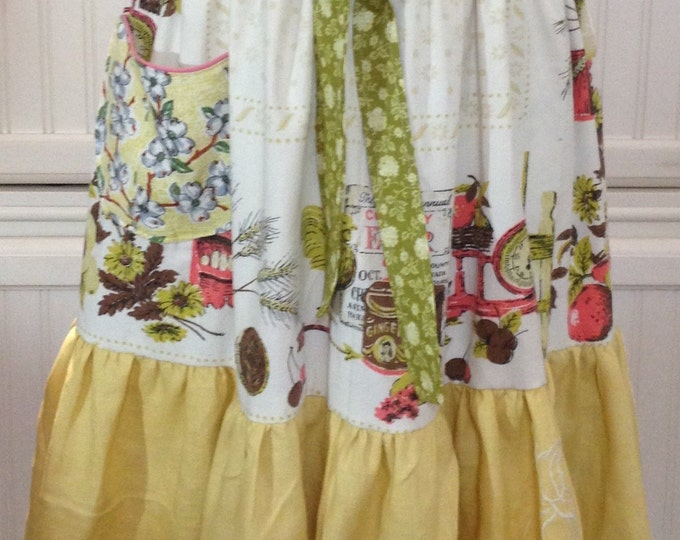 Featured listing image: Women's full apron Vintage shabby chic reversible vintage tablecloth slip on apron no tie apron bib bodice dogwood rooster print cotton
