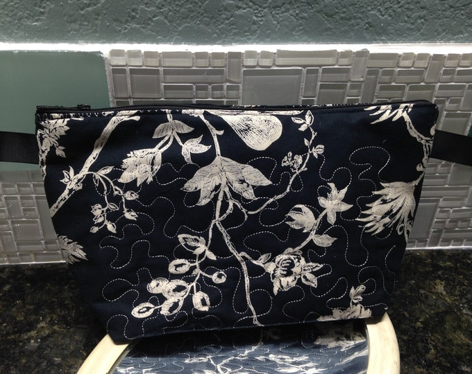 Womens make up bag toile black cream fabric toiletry bag medium zipper bag travel bag quilted fabric bag black cream bag zipper tabs