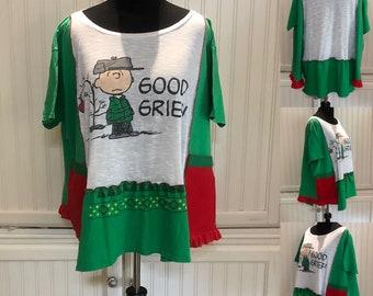 Women's tee shirt tunic red green CB Peanuts Christmas tunic shirt upcycled tee shirt red ruffled tunic green red white Christmas dress XXL