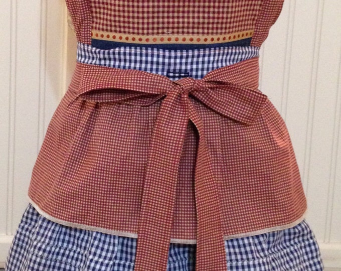 Vintage style women's full apron country Christmas gift Christmas bird tree embroidery and gingham check reversible vintage button on bodice