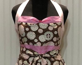 Womens  ruffled full apron pink brown flower theme posh girl style vintage button trim ruffle hem shabby chic fabric flower pin